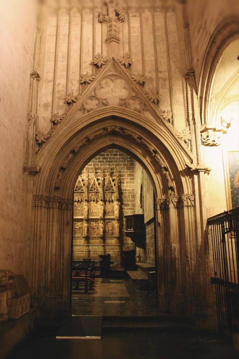 Pasadizo a la Capilla del Santo Cáliz  en la Catedral de Valencia.