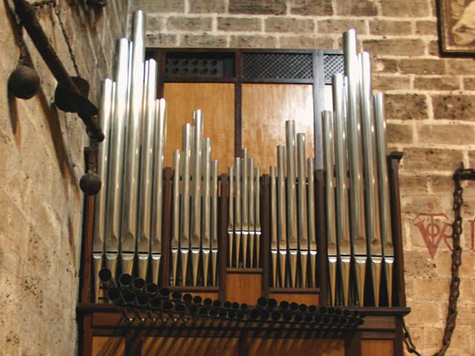 Órgano de tubos del Siglo XVIII.