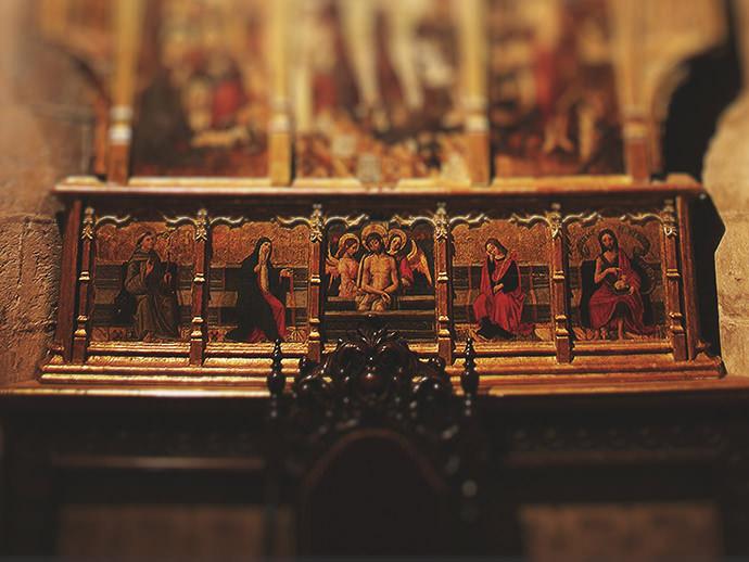 Predela del retablo de San Miguel Arcángel.